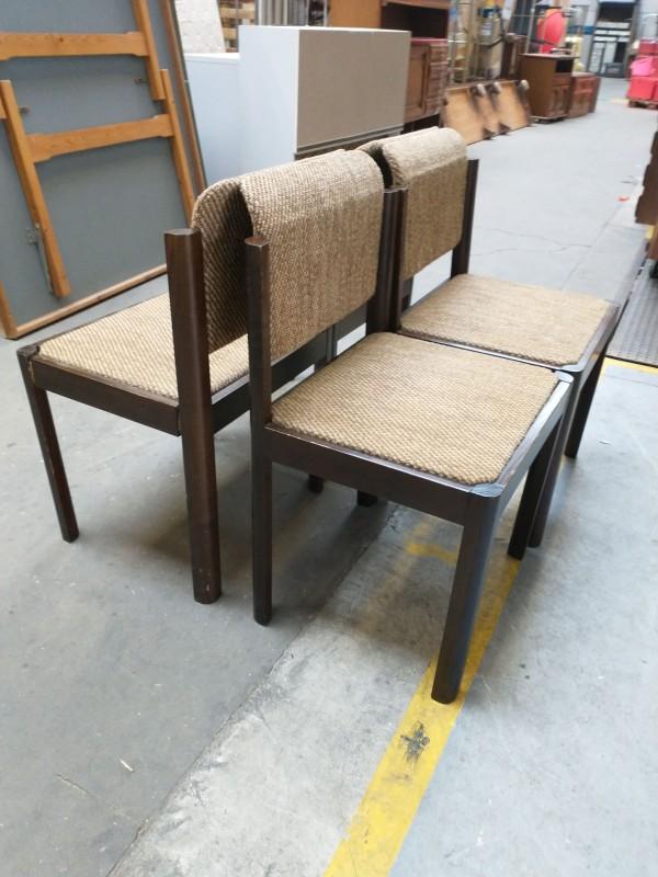 vier vintage stoelen met stoffen bekleding