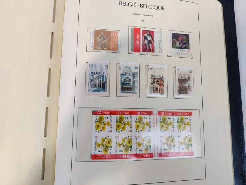 2 postzegelboeken (De Post : 2005 en 2007)