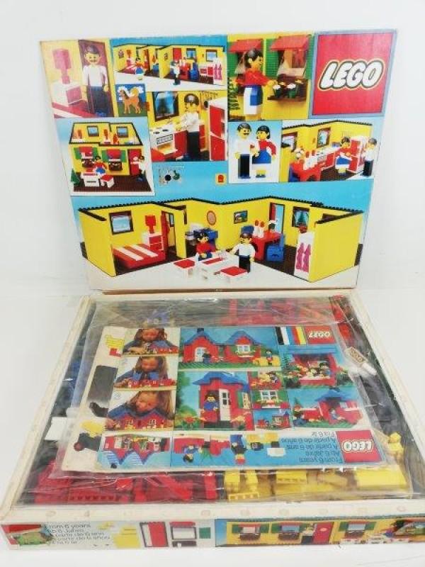 Vintage Lego 232 bungalow homemaker