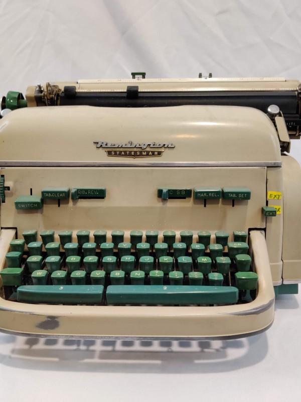 Typemachine Remington Statesman