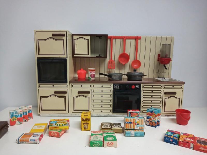 Retro speelgoedkeuken