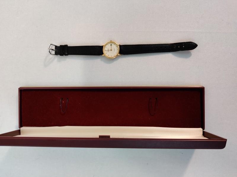 "Gouden Horloge ""Pontiac"""