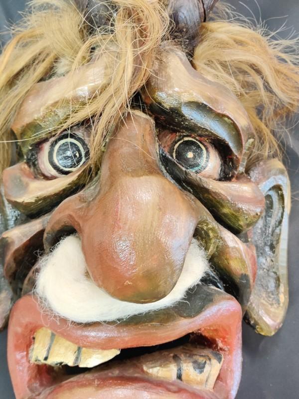 "Houten masker ""Krampus"""