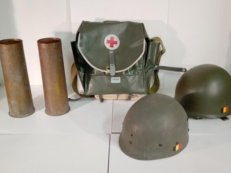 Set van 5 leger spullen