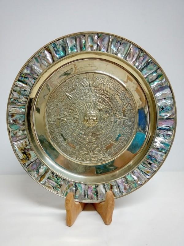 Metalen schaal met Azteekse kalender