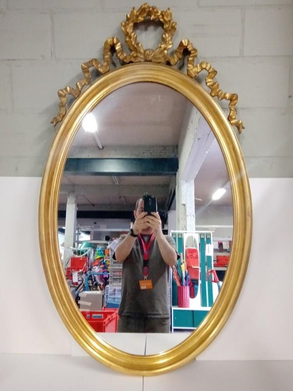Grote ovalen spiegel