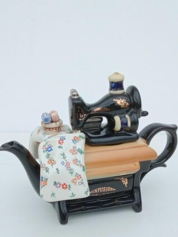 Miniatuur porseleinen theepot, Cardew england