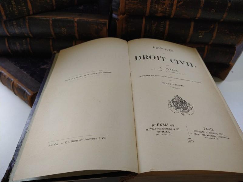 F. Laurent:  Principes de Droit Civil 1878 30 van de 33 delen