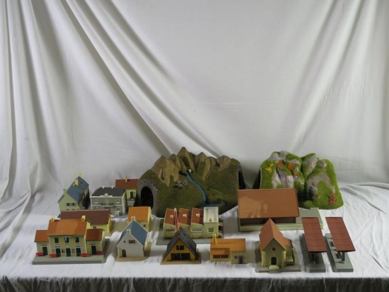 Set huisjes en tunnels voor treintafel