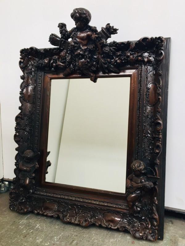 Barokke Spiegel Met Houtgesneden Ornamenten