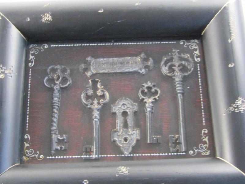 2 Kaders: Antieke Sleutels