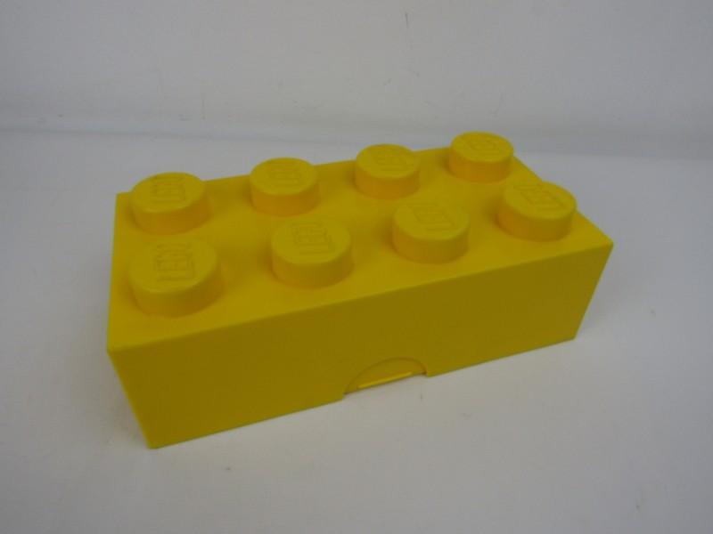 Brooddoos: Lego, 2012