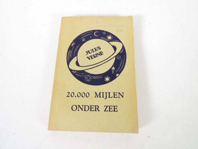 Boek - Jules Verne -20.000 mijlen onder zee