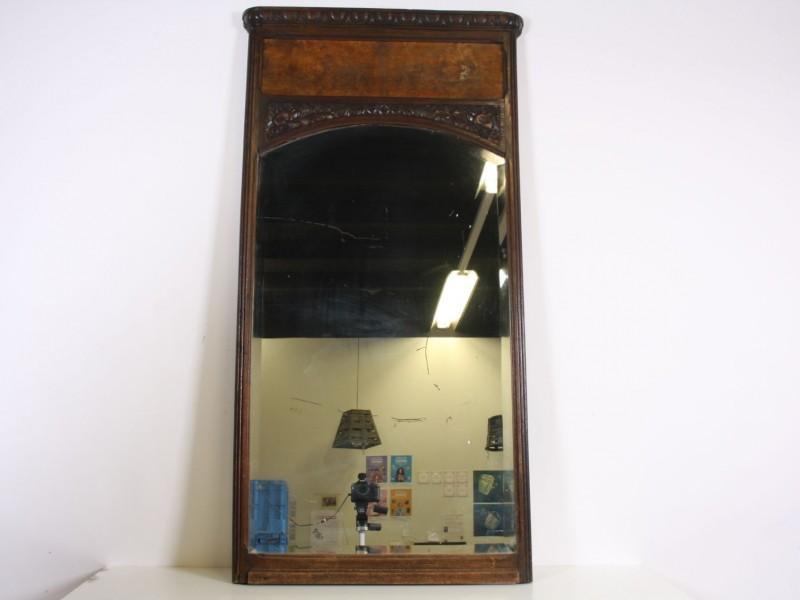 Prachtige antieke spiegel, bovenkant wortelhout