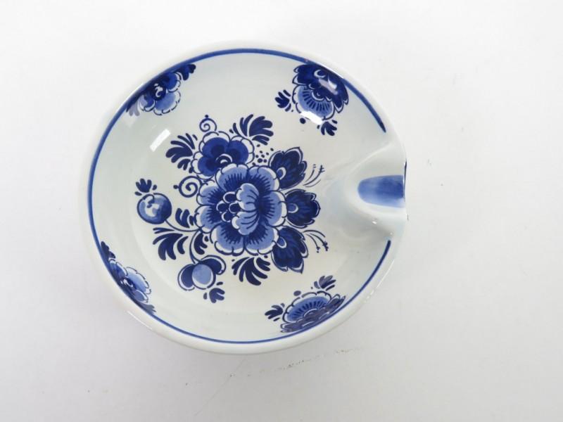 Asbakje in porcelein