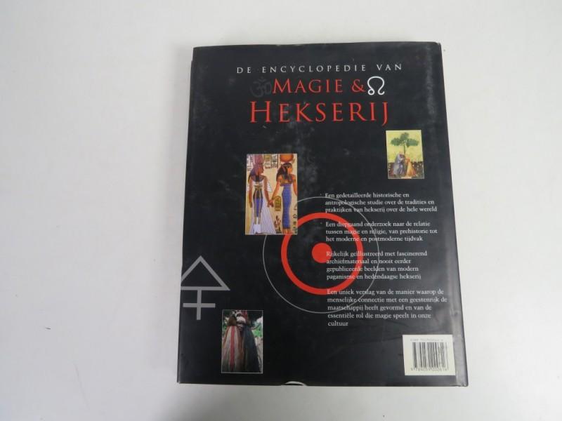Boek - De encyclopeide van Magie en hekserij