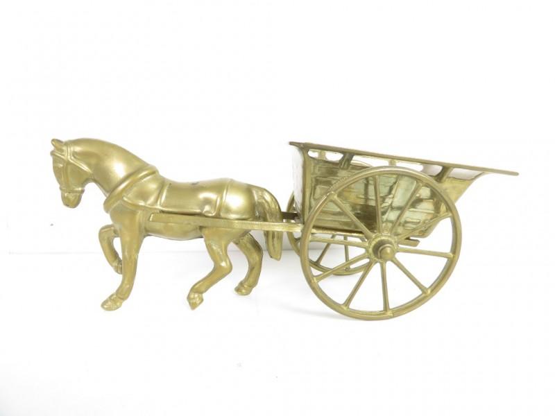 Paard met kar miniatuur