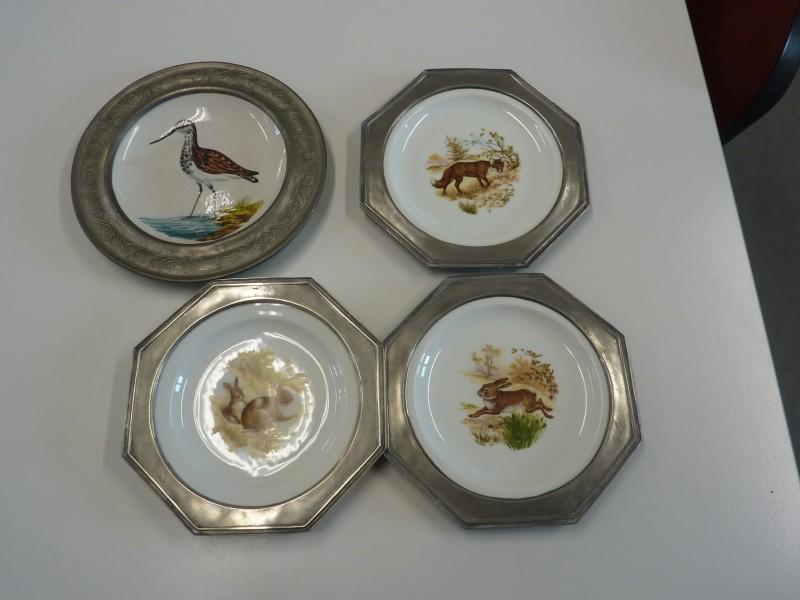 Reeks van 4 sierborden met rand in tin