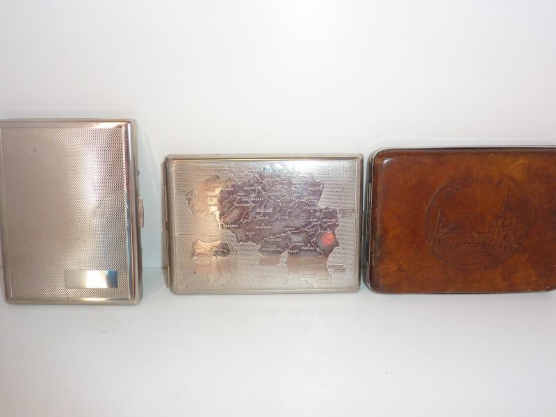 Reeks van 3 sigaretten houders