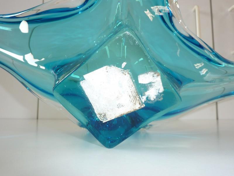 Mooie blauwe schaal in kristal