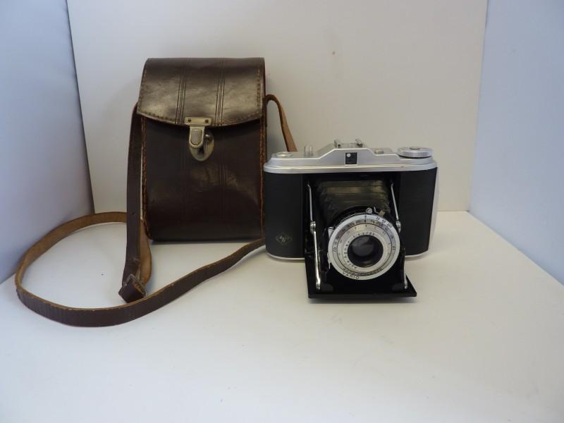 Antieke fotocamera van AGFA in een draagtas