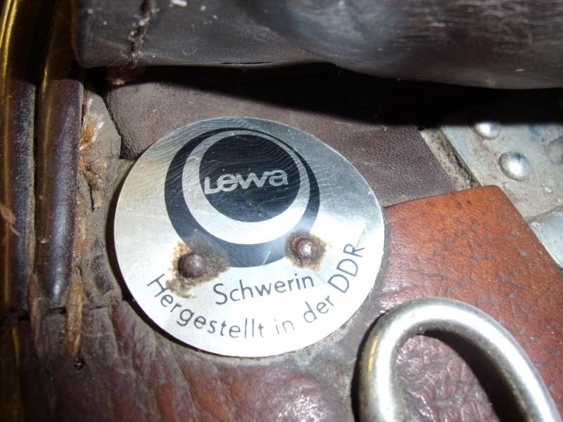 """Lewa Lederen Paardenzadel 17"""""""