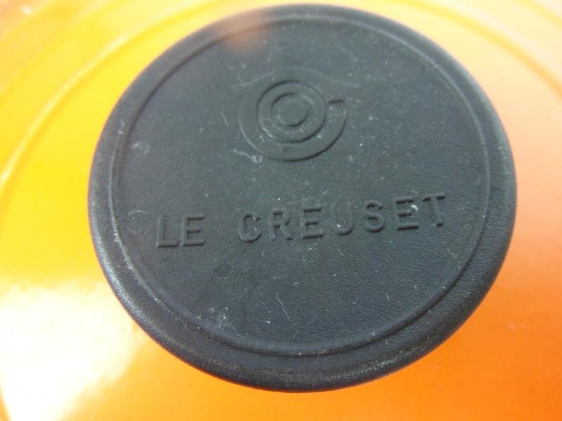 Gietijzeren kookpotten gemerkt Le Creuset