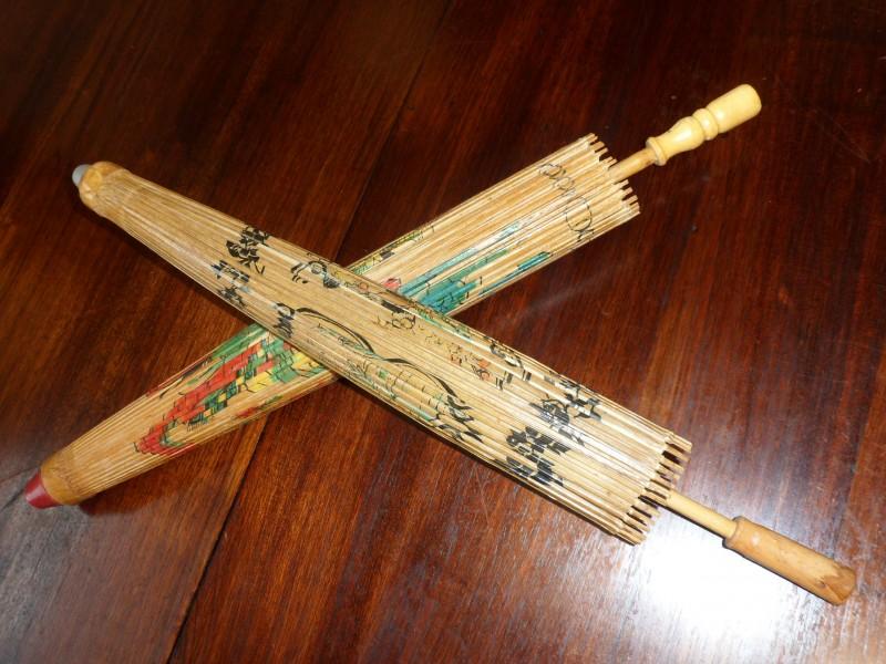 2 Chinese parasols