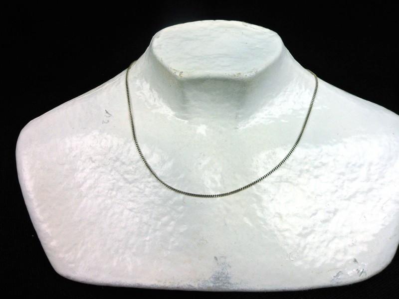 Zilveren halssnoer (C)
