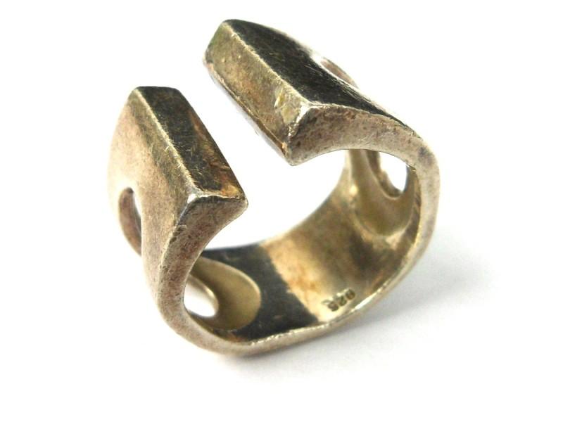 Zilveren ring B
