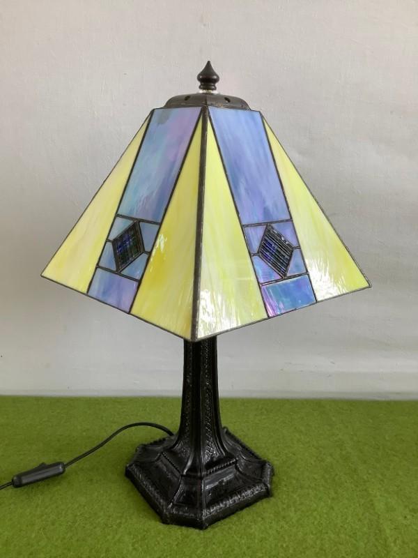 Tafellamp in Tiffanystijl