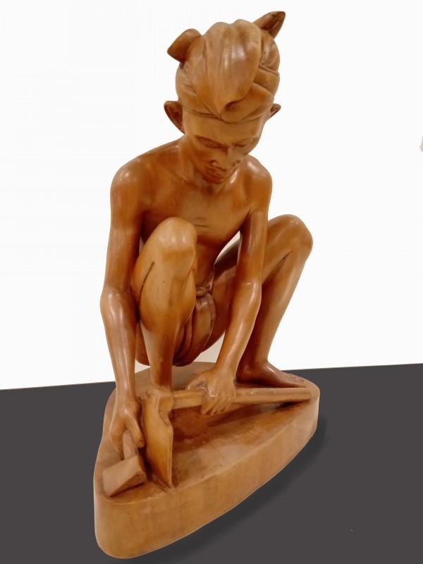 Indonesisch houtsnijwerk, gesigneerd F.A. Panakus