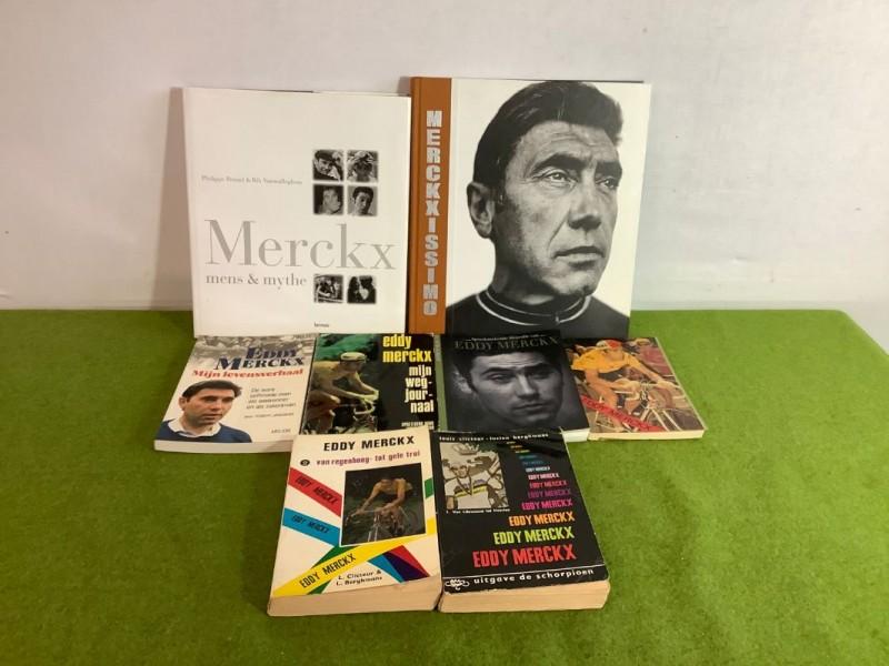 Acht boeken over Eddy Merckx + een gehandtekende foto