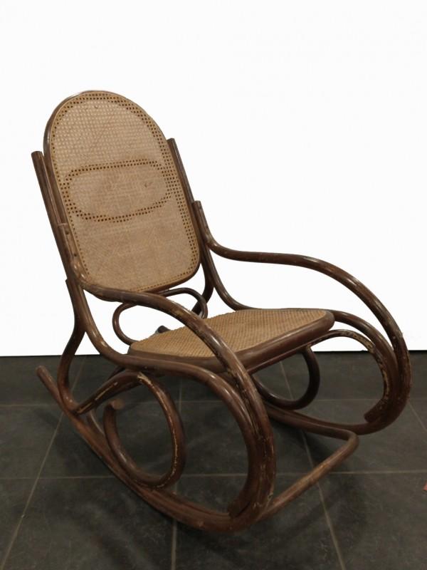 vintage rotan schommelstoel- thonet stijl